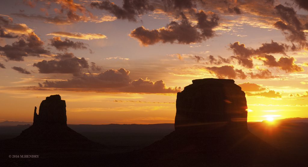 Sunrise Monument Valley, AZ
